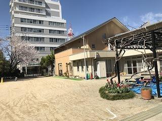 園舎.jpg